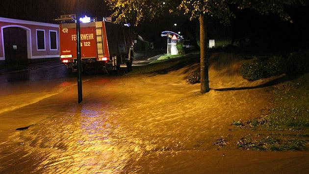 Die Situation im Bezirk Jennersdorf im Südburgenland (Bild: APA/HBI MARTIN HAFNER,BFKDO JENNERSDORF)