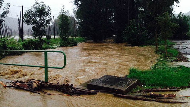 Überflutungen im Bezirk Leibnitz (Bild: APA/BFV LEIBNITZ)