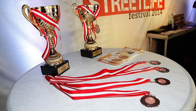 Pokale und Medaillen dürften natürlich nicht fehlen. (Bild: Martin A. Jöchl)