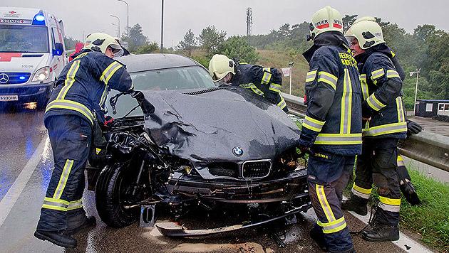 Frontalkollision in Baden fordert drei Verletzte (Bild: Freiwillige Feuerwehr Baden-Stadt)