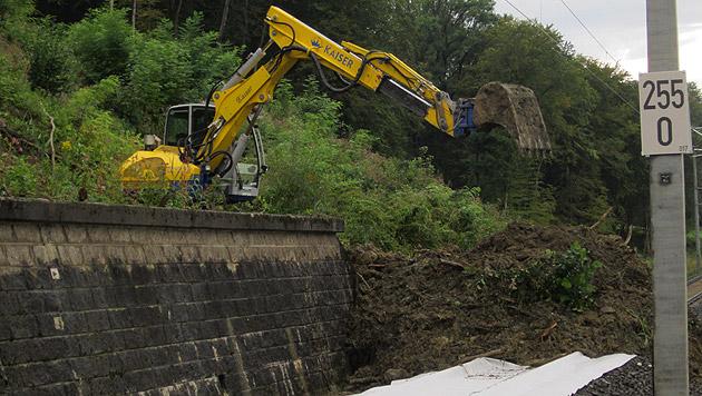 Die Baumaßnahmen sind umfangreicher als erwartet. (Bild: APA/ÖBB)