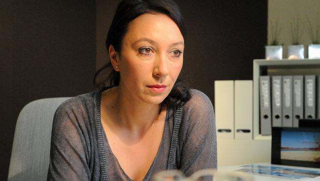 """Schnell ermittelt""-Star Strauss hatte Autounfall (Bild: ORF/Hubert Mican)"