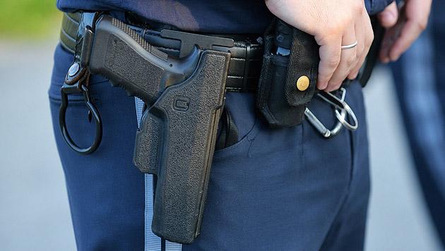 Polizeischüler schoss sich versehentlich selbst an (Bild: APA/BARBARA GINDL (Symbolbild))