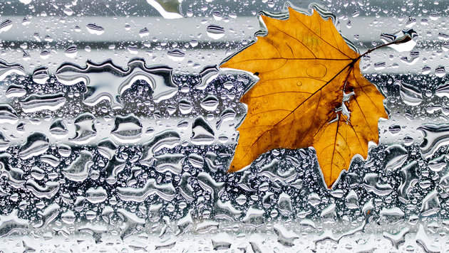 Wetter: Ab Samstag wird es unbeständig und kühl (Bild: dpa/Julian Stratenschulte)