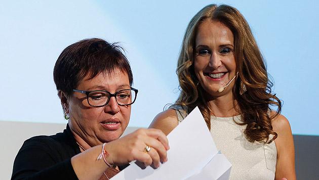 Gesundheitsministerin Sabine Oberhauser und Moderatorin und Jury-Mitglied Maggie Entenfellner (Bild: Zwefo)