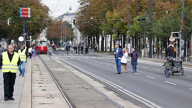 Großer Andrang herrschte am Nachmittag des autofreien Tages am Ring noch nicht. (Bild: Zwefo)