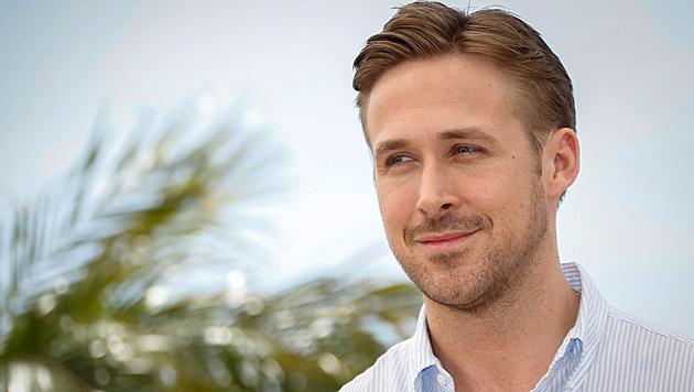 """Neu im Club der """"Dilfs"""": Ryan Gosling wurde vor Kurzem Papa. (Bild: APA/EPA/JULIEN WARNAND)"""