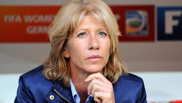 Frauenfußball-Ikone: Carolina Morace trainierte als erste Dame eine Männermannschaft. (Bild: Thomas Eisenhuth / EPA / picturedesk.com)