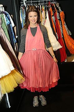 """""""Mein abolutes Lieblingskostüm"""": """"Baby"""" zeigt ihre Garderobe. (Bild: Peter Tomschi)"""