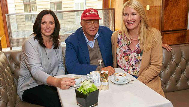 Ersteigertes Frühstück für die ZUKI-Charity: Andrea Reitbauer, Niki Lauda & Claudia Stöckl (Bild: Alexander Tuma)