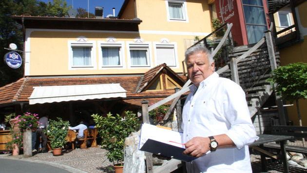 Rund 100 Flüchtlinge will Gastronom Ferdl Purgstaller in seinem Lokal beherbergen. (Bild: Christian Jauschowetz)