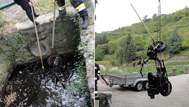 Das gestohlene Moped versenkten die Jugendlichen in einem Auffangbecken. (Bild: LPD NÖ)