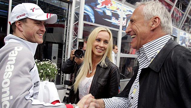 Ralf und Cora Schumacher mit Dietrich Mateschitz (Bild: EPA)