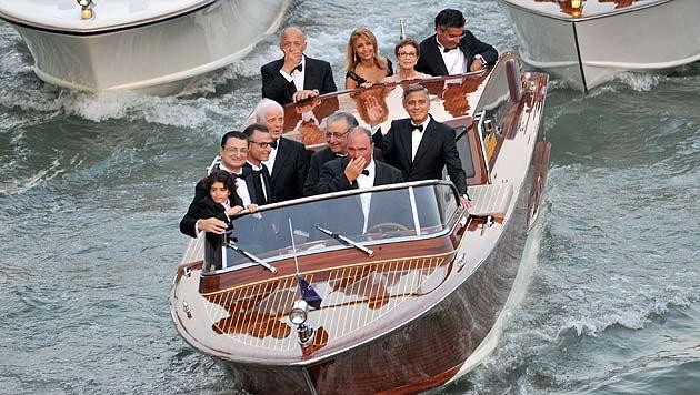 Wer hätte das gedacht: George Clooney am Samstagabend auf dem Weg zu seiner Hochzeit. (Bild: AP)