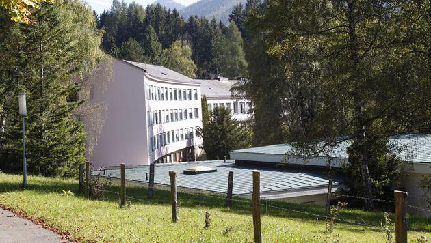 """Früher war das """"Haus Semmering"""" ein idyllisches Hotel. (Bild: Martin A. Jöchl)"""