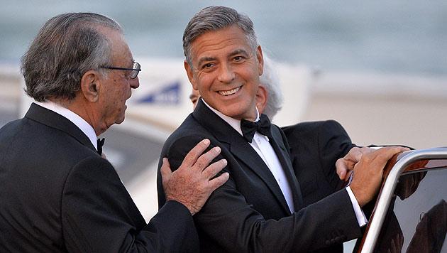 George Clooney auf dem Weg zur Trauung (Bild: AFP)