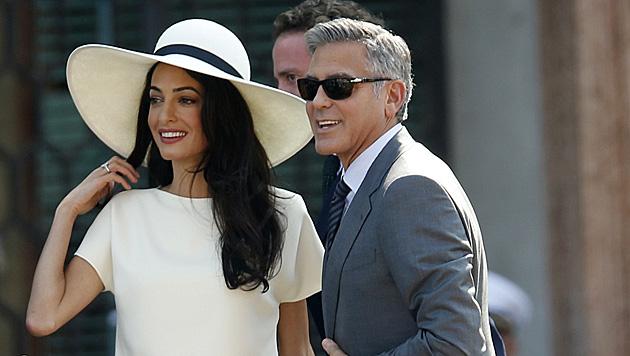 George Clooney und Amal sind nun auch offiziell verheiratet. (Bild: AP)