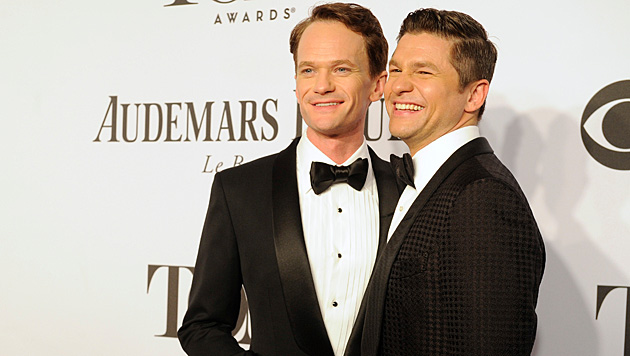 Im September heiratete Neil Patrick Harris seinen Partner David Burtka. (Bild: Charles Sykes/Invision/AP)