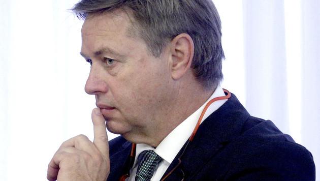 Ex-Vorstand Reinhard Platzer drohen bis zu zehn Jahren Haft. (Bild: APA/GEORG HOCHMUTH)