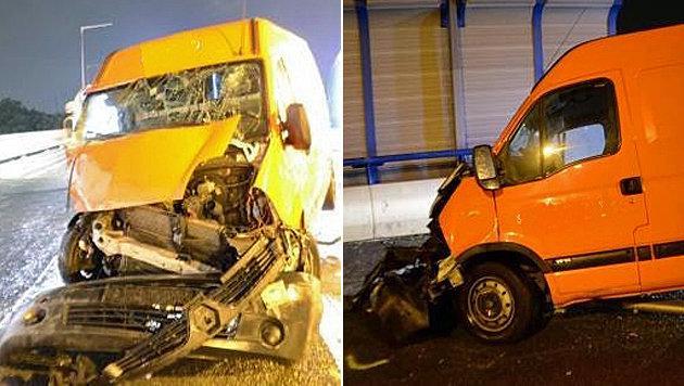Der Kleintransporter wurde bei dem Unfall auf der A23 schwer beschädigt. (Bild: Polizei)