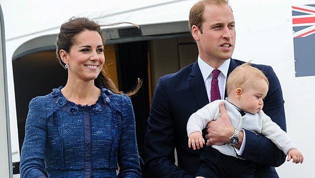 Ist Kate etwa mit Zwillingen schwanger? (Bild: APA/EPA/MARK COOTE)