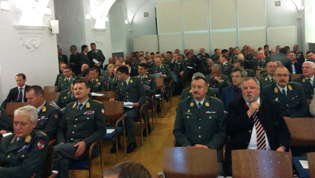 Heer: Weniger Kasernen, Kapellen und Waffen (Bild: krone.at)