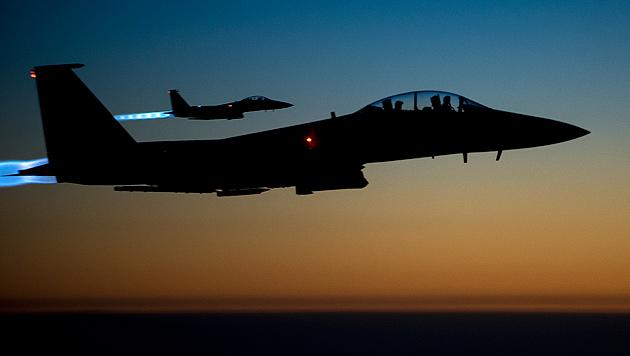 F15-Kampfjets der US Luftwaffe über dem Nordirak (Bild: AP)