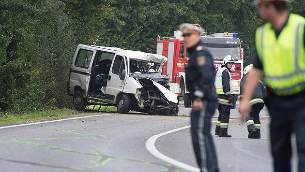 Die Fahrzeuge wurden von der Staatsanwaltschaft beschlagnahmt. (Bild: APA/FOTO-KERSCHI.AT)