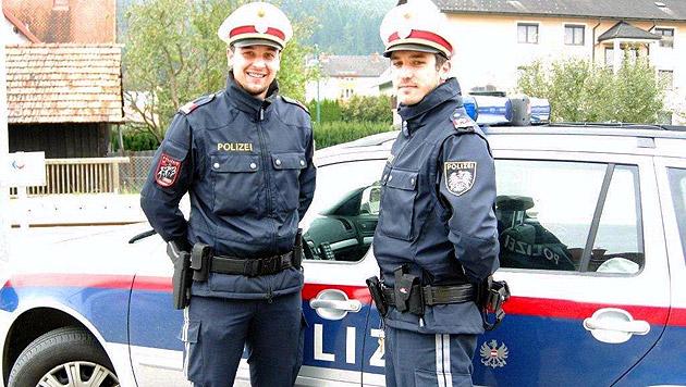 Inspektor Zapfl und Revierinspektor Birnhuber (r.) von der Polizei in Krottendorf-Gaisfeld (Bild: LPD Steiermark)