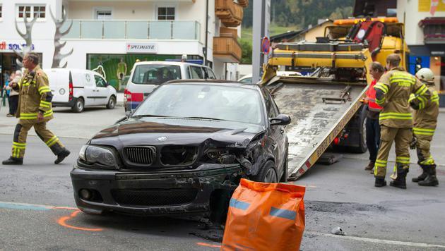 Mit diesem Wagen fuhr der 19-jährige Alkolenker zwei Fußgänger auf einem Zebrastreifen an. (Bild: APA/EXPA PICTURES/JFK)