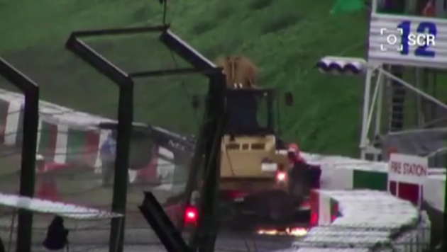 So lief der Horror-Crash von Bianchi beim Japan-GP (Bild: YouTube)