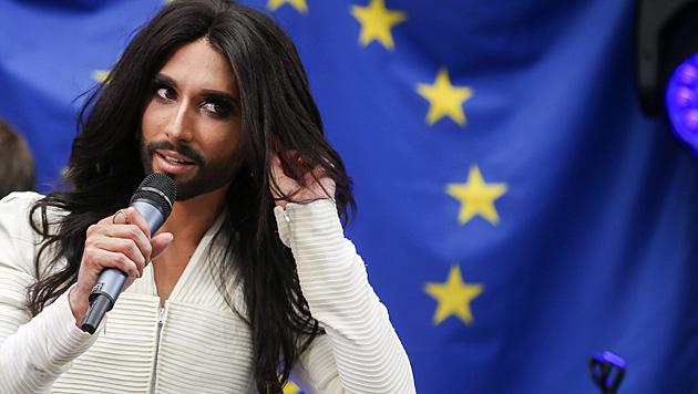 Conchita Wurst trat vor dem Europaparlament in Brüssel auf. (Bild: APA/EPA/OLIVIER HOSLET)