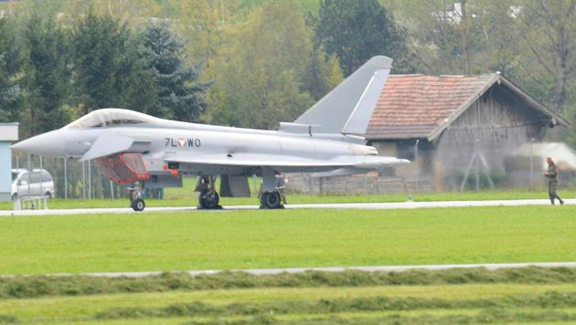 Eurofighter-Notlandung: Ventildefekt als Ursache (Bild: APA/ZEITUNGSFOTO.AT)