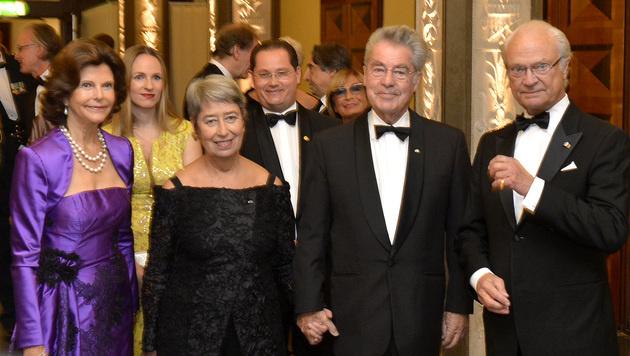 Königin Sylvia, Margit Fischer, BP Heinz Fischer und König Carl Gustav (Bild: APA/HARALD SCHNEIDER)