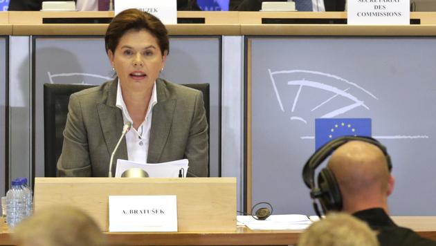 Zum Zeitpunkt der Spitzelaffäre war Alenka Bratusek Sloweniens Regierungschefin. (Bild: AP)