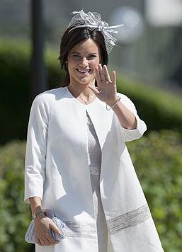 Das royale Winken hat die künftige Ehefrau von Prinz Carl Philip bereits intus. (Bild: AFP)