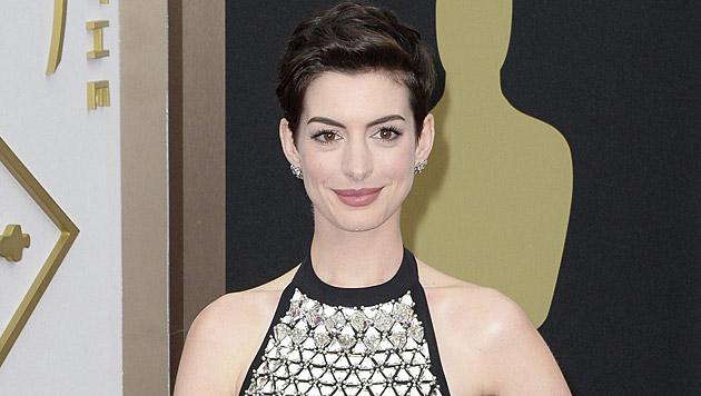 Anne Hathaway spricht über die Zeit nach dem Oscar-Shitstorm. (Bild: APA/EPA/MIKE NELSON)