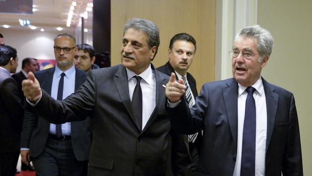 Fuat Sanac, Vorsitzender der IGGiÖ, und Bundespräsident Heinz Fischer (Bild: APA/HERBERT NEUBAUER)