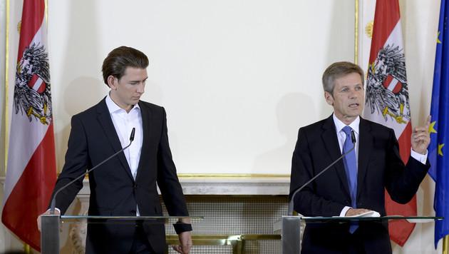 Kanzleramtsminister Josef Ostermayer und Außenminister Sebastian Kurz verteidigen das Islamgesetz. (Bild: HERBERT NEUBAUER)