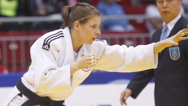 Bernadette Graf gewinnt Judo-Turnier in Astana (Bild: APA/EPA/MAXIM SHIPENKOV)