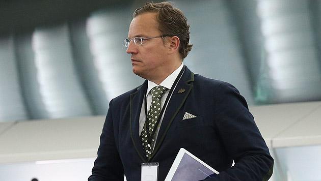 Georg Mayer (FPÖ), Nebeneinkünfte: mindestens 10.100 Euro (Bild: APA/EPA/OLIVIER HOSLET)