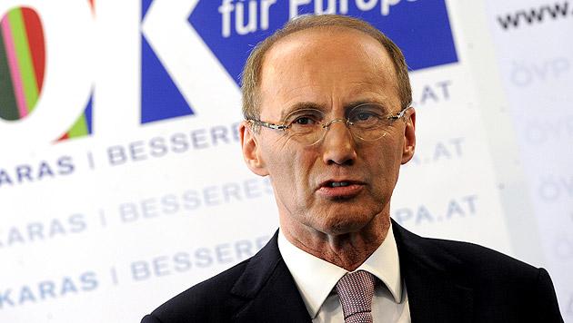 Othmar Karas (ÖVP), Nebeneinkünfte: 0 bis 2.495 Euro (Bild: APA/HERBERT PFARRHOFER)
