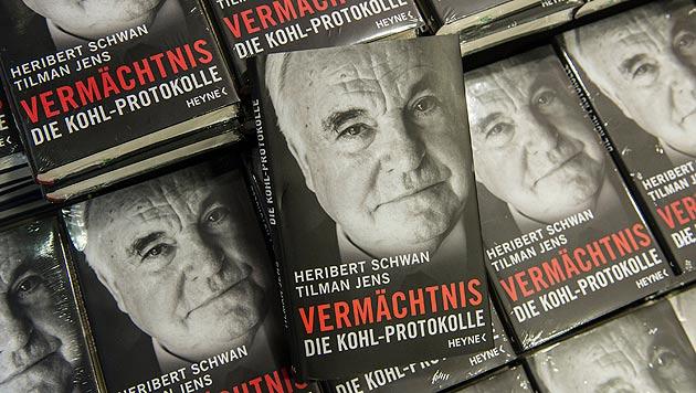 Äußerst brisantes und nicht autorisiertes Buch über Altkanzler Helmut Kohl (Bild: APA/dpa)