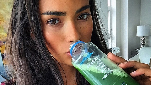 Kelly Gale (Bild: instagram.com/kellybellyboom)