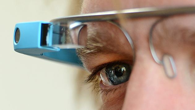 Google stoppt Testprogramm für Datenbrille Glass (Bild: APA/dpa-Zentralbild/Jens Kalaene)
