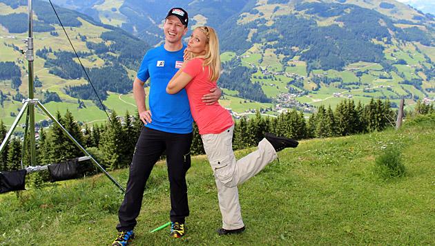 Hannes Reichelt und Mirjam Weichselbraun sind im neuen Spar-Spot zu sehen. (Bild: Spar)