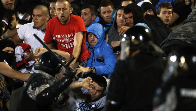 Wien-Ottakring: Bilanz einer Krawallnacht (Bild: AP)