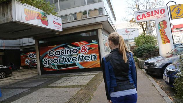 Das ausgeraubte Casino liegt nur fünf Gehminuten von einer Polizeistation entfernt. (Bild: Uta Rojsek - Wiedergut)