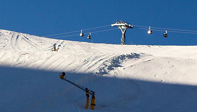 Schneekontrolle der FIS positiv: Sölden ist bereit (Bild: APA/EXPA/JFK)