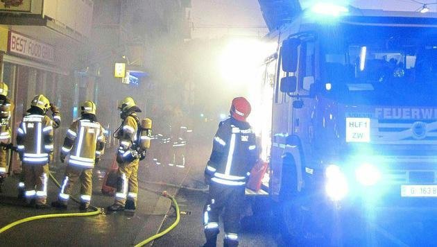 Glutreste entfachen Brand in Grazer Kebap-Lokal (Bild: APA/BF GRAZ)